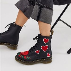 ❤️DR MARTENS PASCAL SEQUIN HEARTS 1460 HEART BOOTS